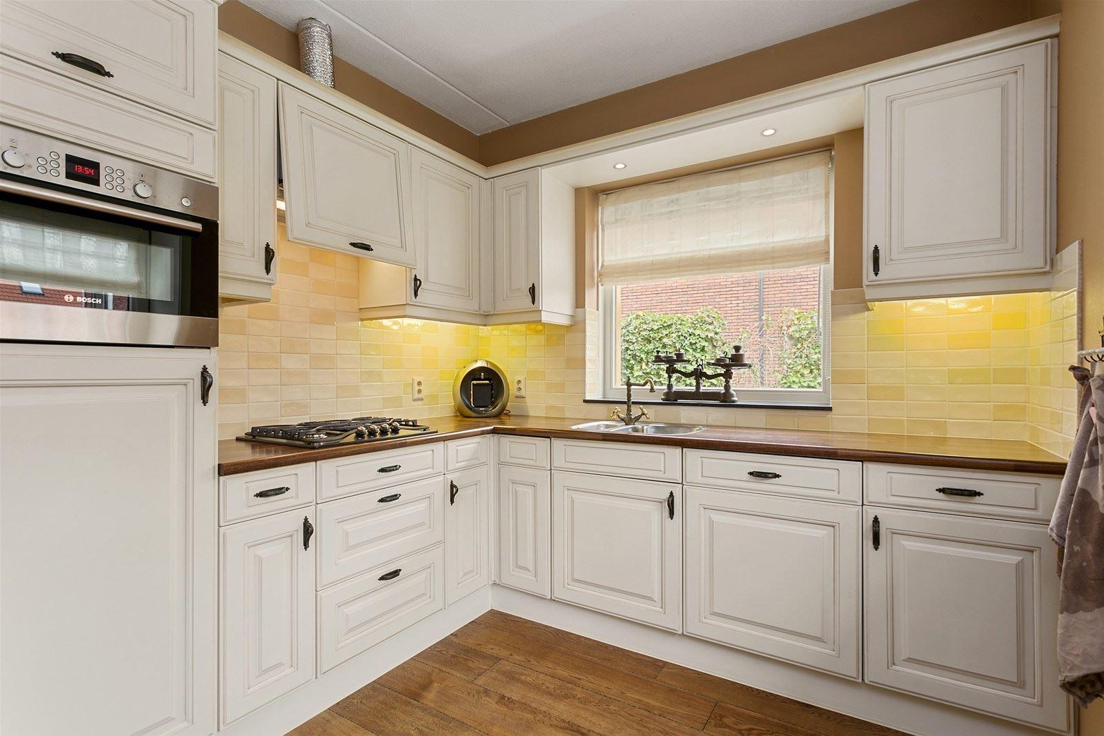 landelijke brocante keuken : Brocante Landelijke L Keuken Incl Apparatuur 2 35 X2 63 Mtr