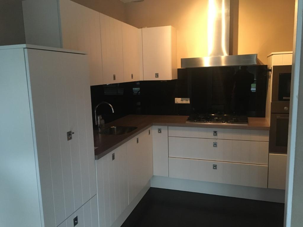 brocante keuken met eiland : Luxe Recente Nette L Keuken Incl Alle Apparatuur Tweedehands