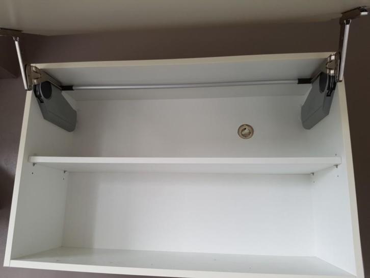 Strakke Witte Keuken : Moderne strakke witte rechte keuken meter apparatuur