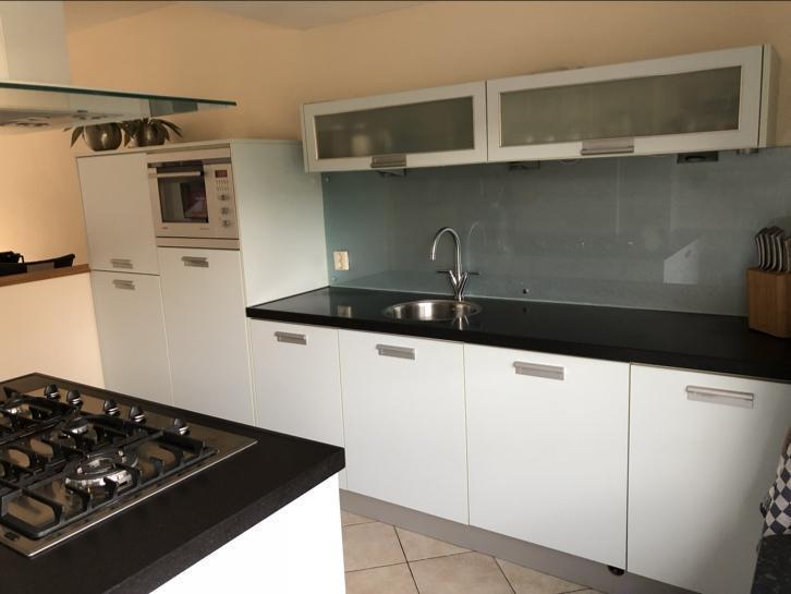 Tweedehands Rechte Keuken : Complete ijsblauwe rechte keuken kookeiland graniet tweedehands
