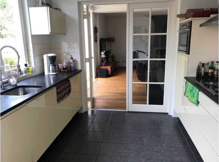 Moderne Hoogglans Keuken : Moderne luxe strakke creme hoogglans keuken graniet blad