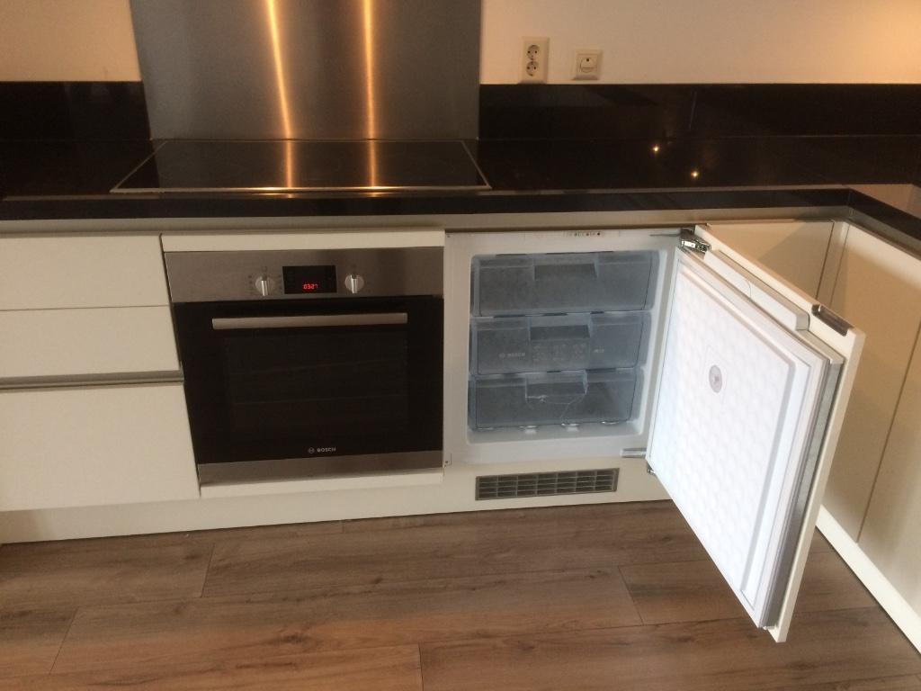 Moderne L Keuken : Moderne witte duitse siematic l keuken bosch apparatuur