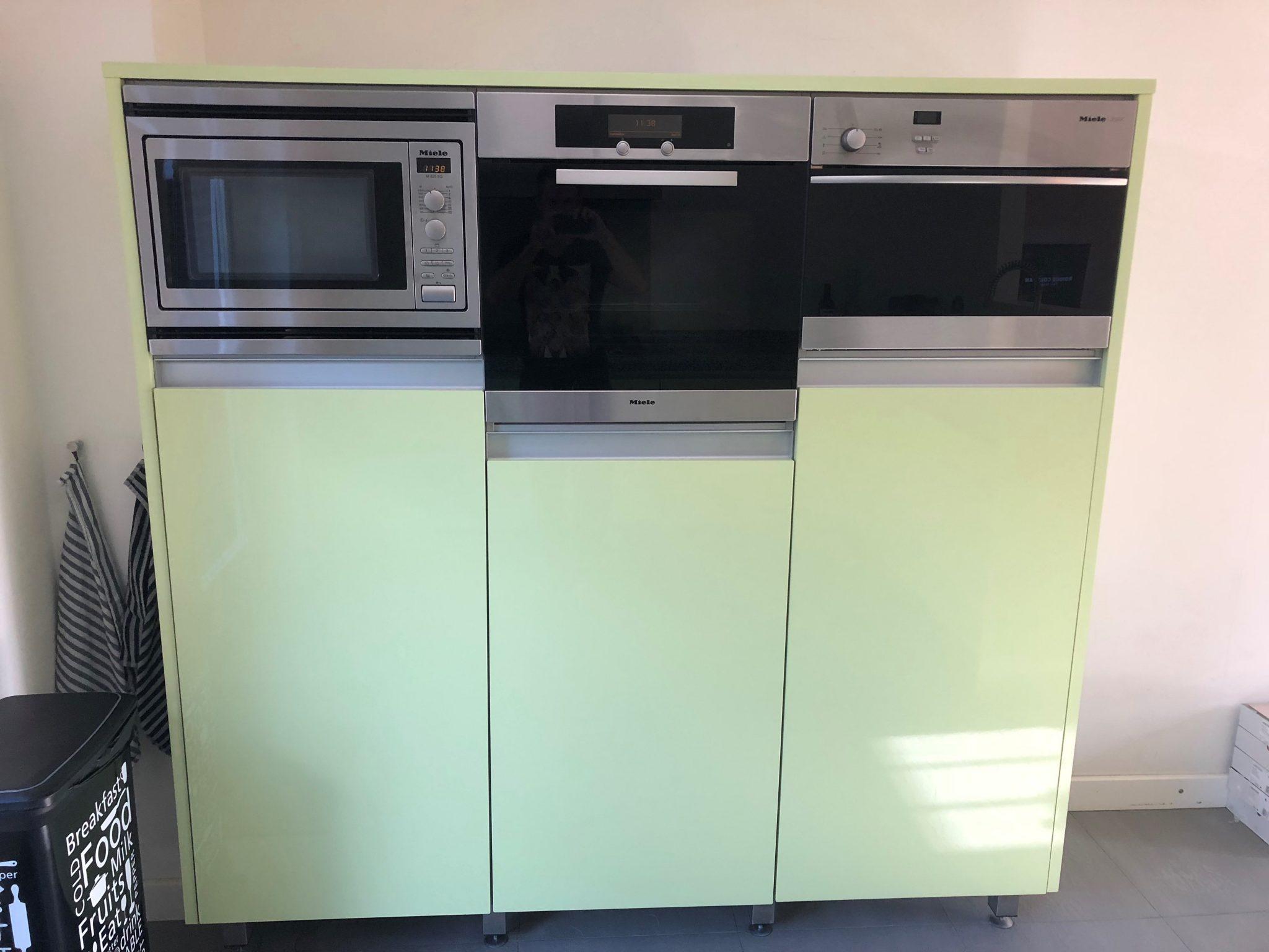 Moderne mintgroene hoogglans l keuken miele apparatuur graniet