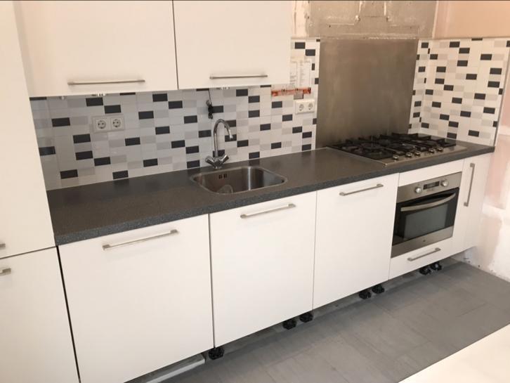 Tweedehands Rechte Keuken : Eerst keuken plaatsen rechte keukens tokyoughoul re kousatu netabare