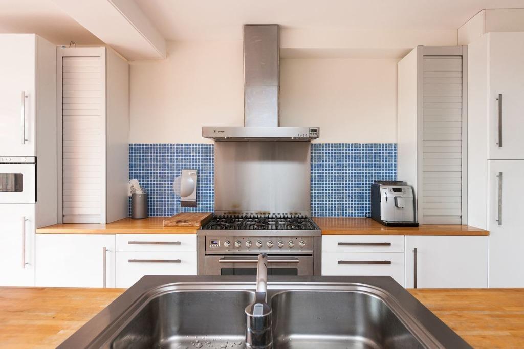 Tweedehands Rechte Keuken : Moderne witte hoogglans rechte keuken eiland apparatuur