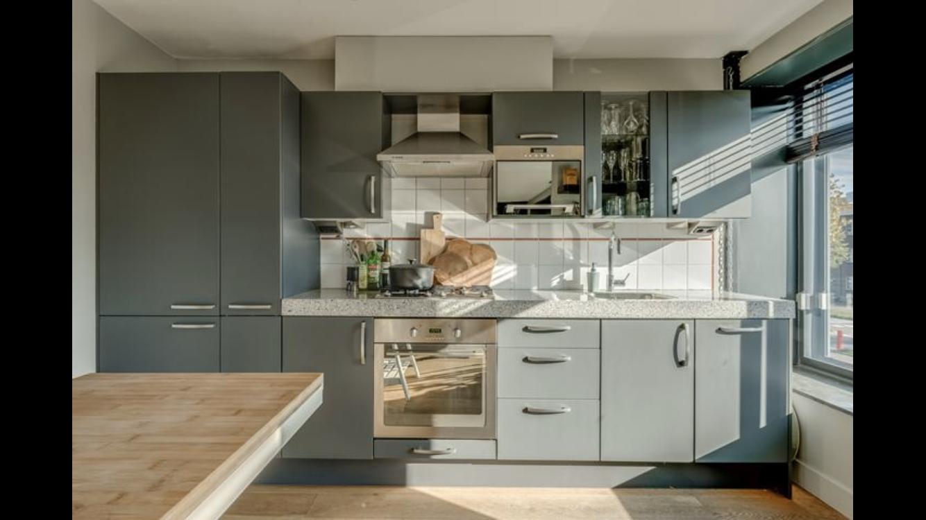 Tweedehands Rechte Keuken : Moderne grijze rechte keuken meter graniet apparatuur