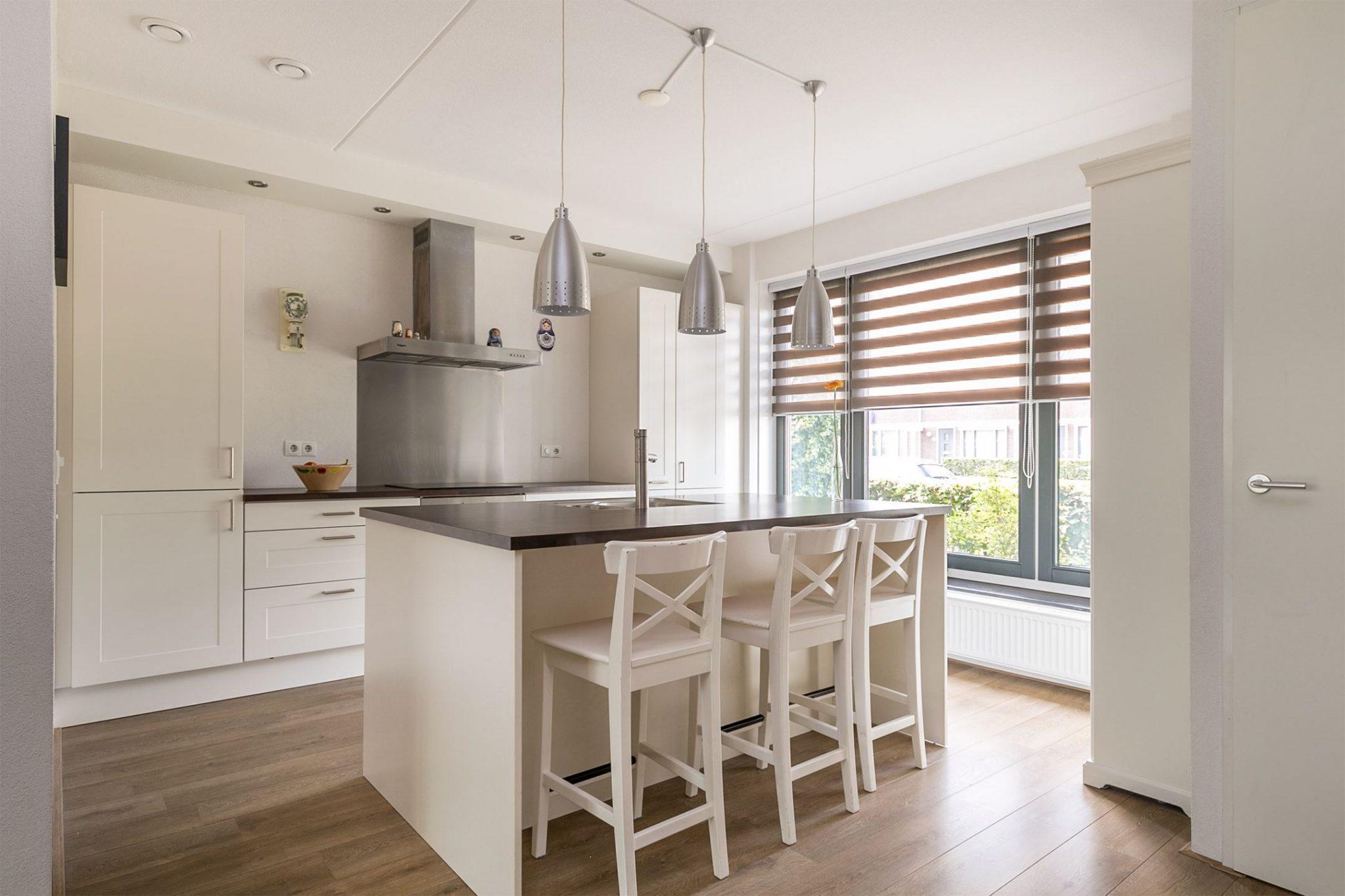 Tweedehands Rechte Keuken : Moderne witte rechte keuken eiland bar apparatuur tweedehands