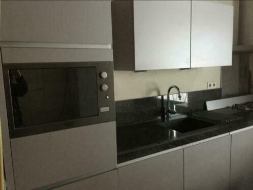 Grijze Moderne Keuken : Moderne mat grijze rechte keuken meter graniet tweedehands