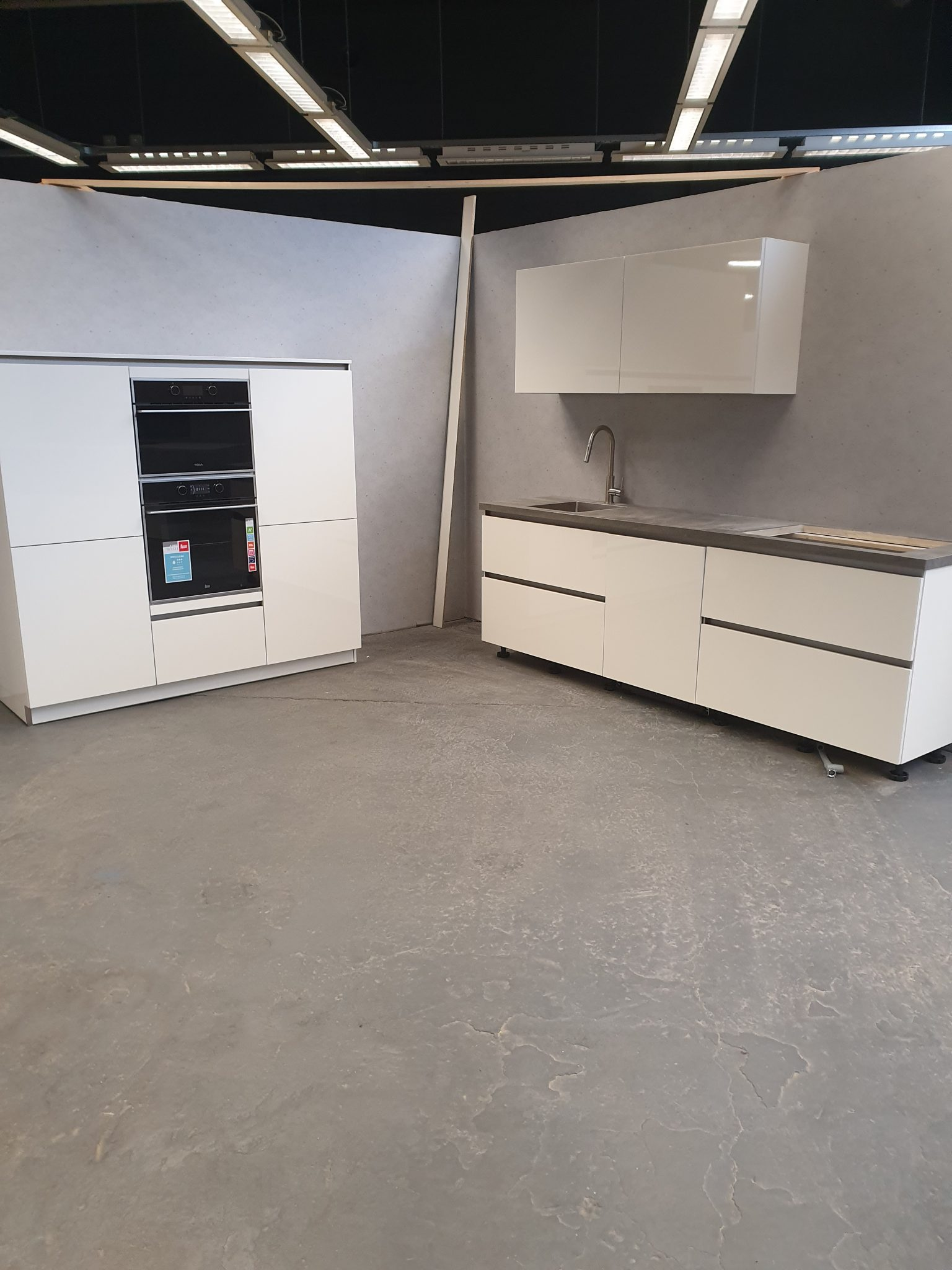 Nieuwe Witte Hoogglans Greeploze Keuken Keramiek Blad Apparatuur Tweedehands Keuken Kwaliteit